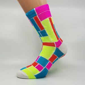 Kolesarska nogavica - pink/rumena/rdeča/modra