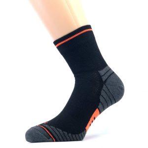 Gladka bombažna športna nogavica - črna/oranžna