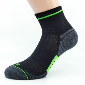 Gladka bombažna športna nogavica - črna/zelena