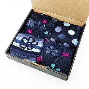 Darilni paket Flower Blues - 4 klasične nogavice